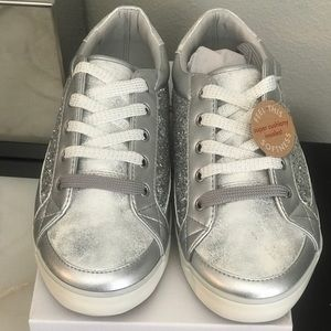 Hanna Andersson Silver glitter sneakers
